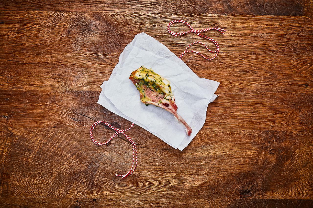 Karree vom Sattelschwein mit Bärlauch-Marinade